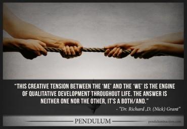 Tout designer vit sous tension positive: entre collaboration et démarche individuelle, entre usages et technologies