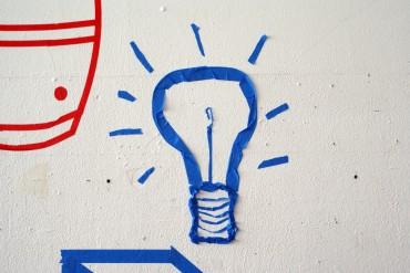Former des individus capables de comprendre les dimensions socio-économiques et politiques de l'innovation.