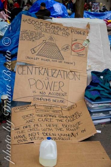 Deux scénarios semblent possibles : l'émancipation des individus ou le renforcement d'un pouvoir centralisé